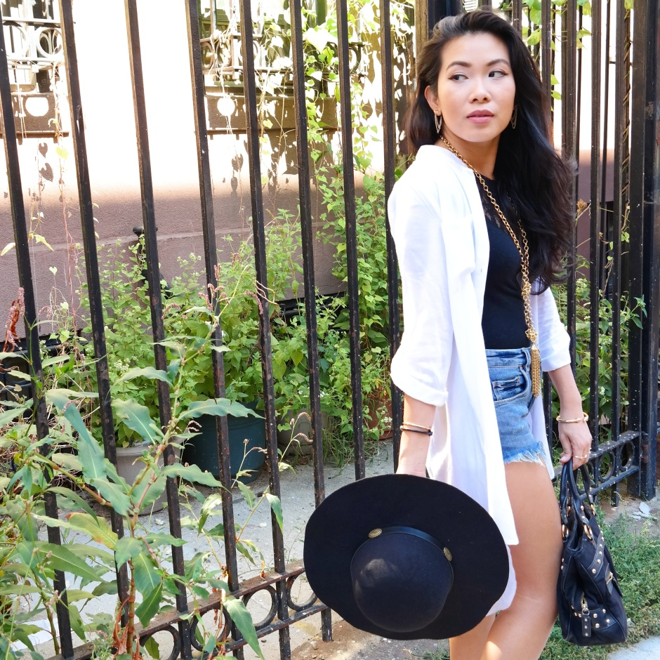 Added the wide brimmed hat to the complete the look.